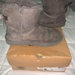 Women's Mini Bailey Bow II Winter Boot (used)